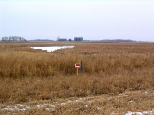 Ne toward bin site - RoW, Signs